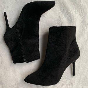 Black heel boots